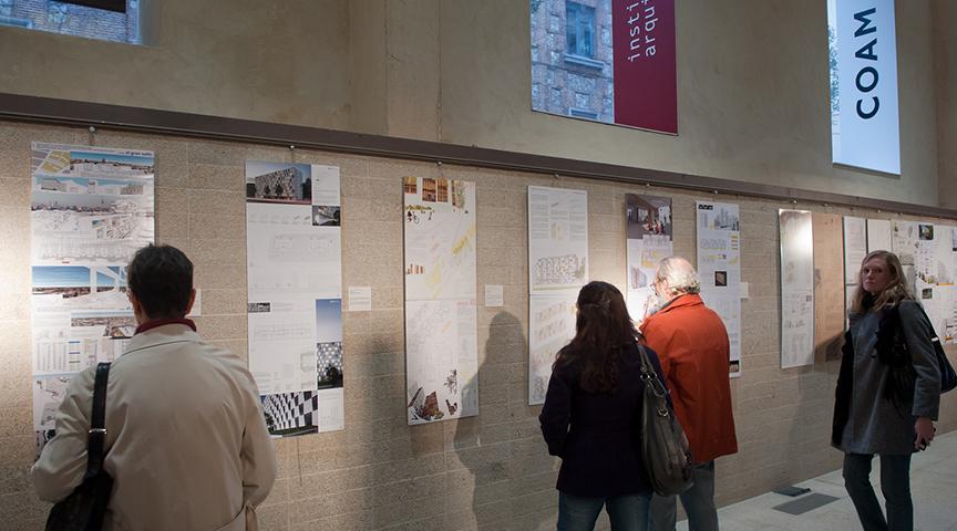 121126 - EMV - Exposicion y conferencia Foro Habitat - Interior 02